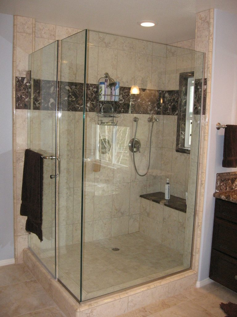 piatto doccia abbinato al bagno