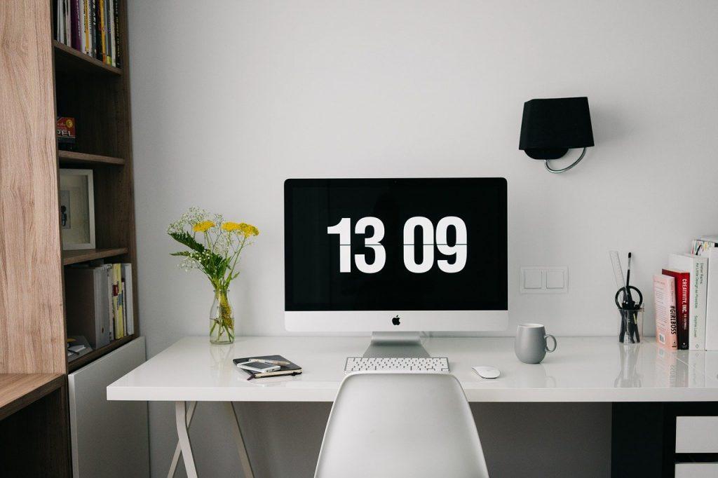 area scrivania in una stanza da letto