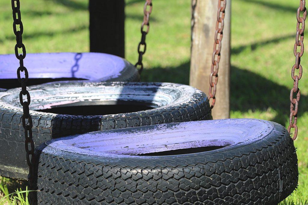 pneumatici riciclati per creare altalene