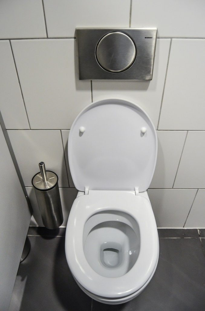 wc sbiancato