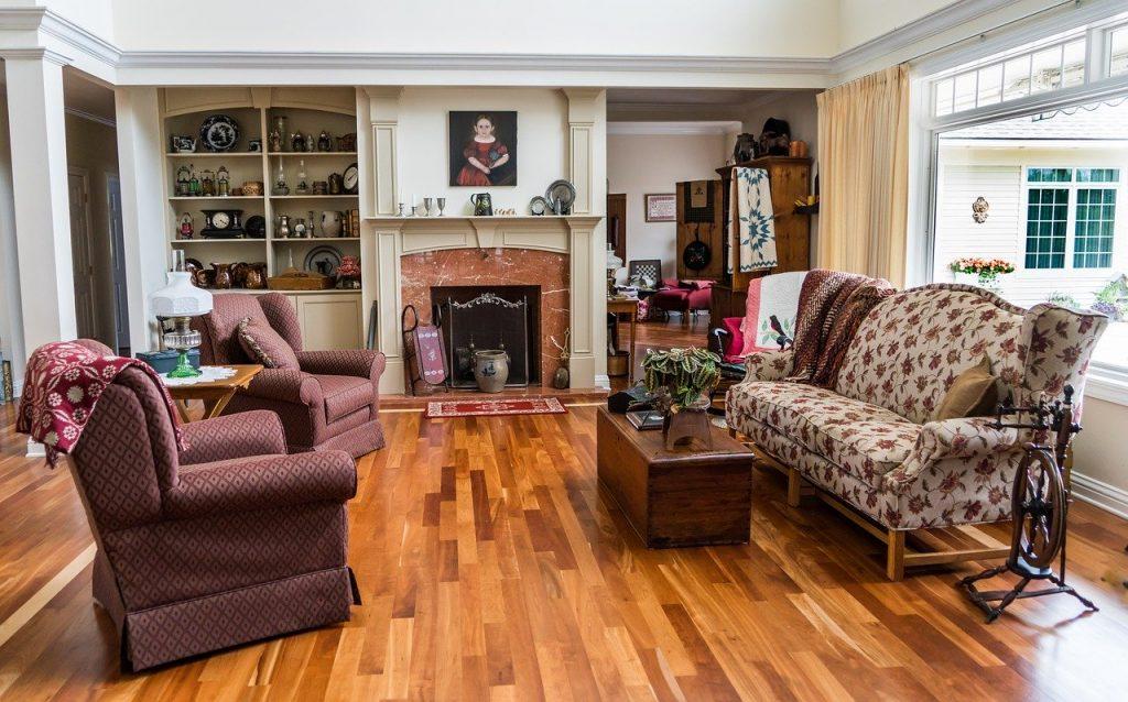 salone casa con pavimento già posato