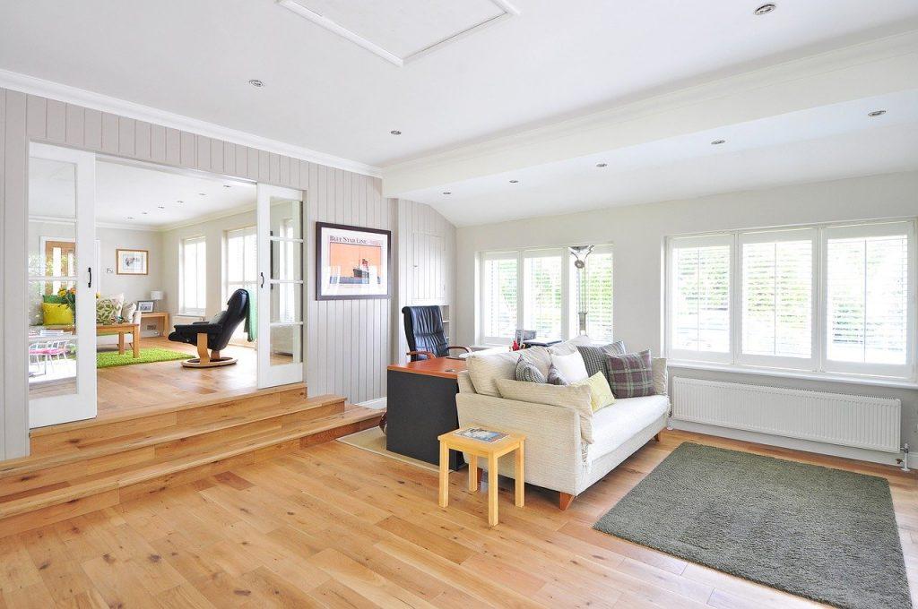 casa con pavimento in legno