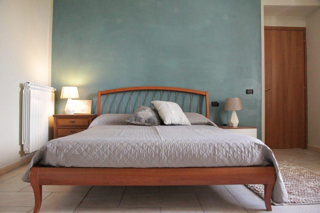 parete letto colorata