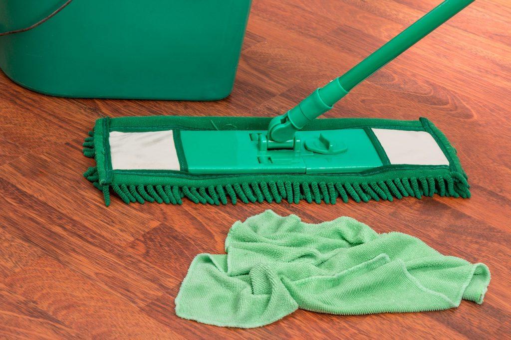 come pulire pavimento senza lasciare aloni