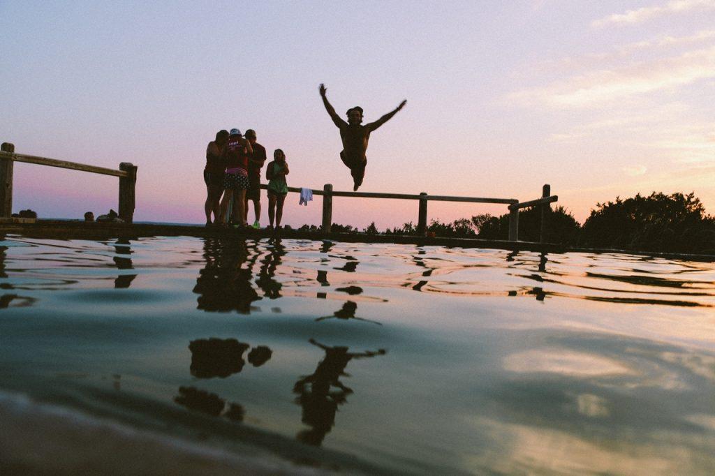 piscina fuori terra tuffi