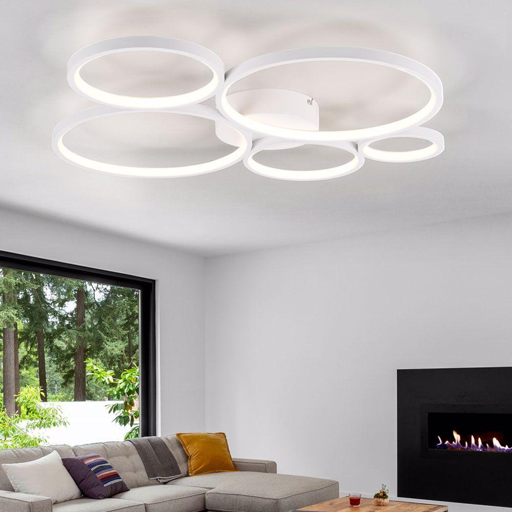 plafoniera LED in salotto moderno