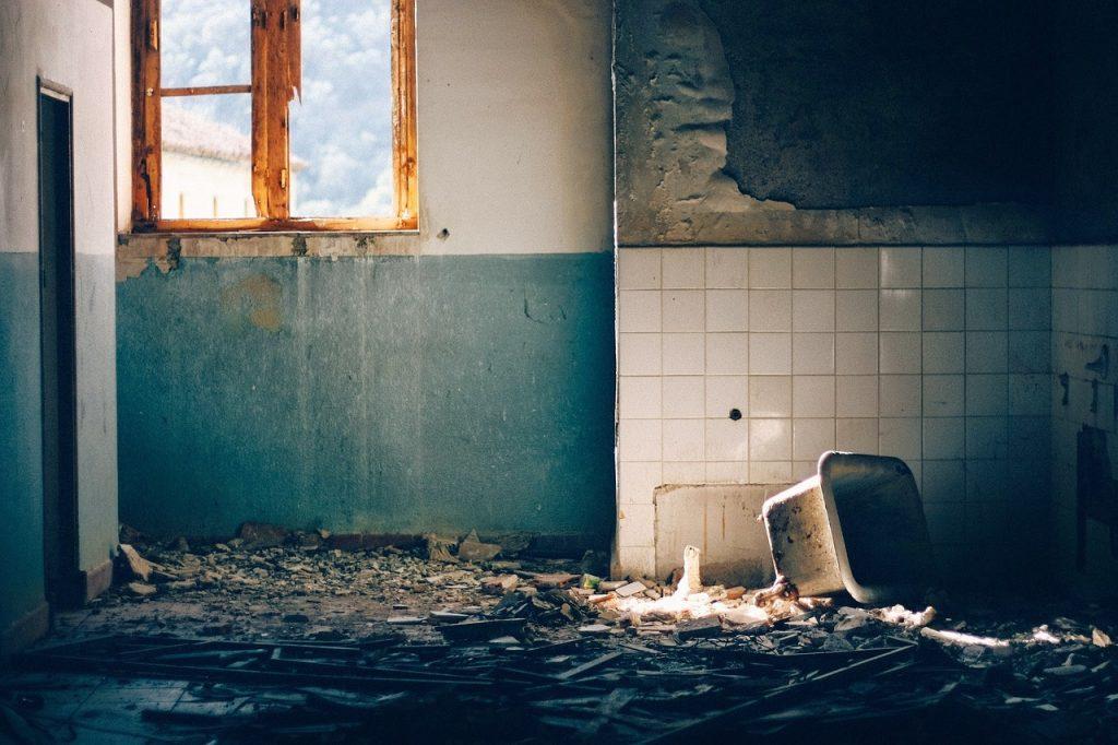 Macerie demolizione interni di una casa