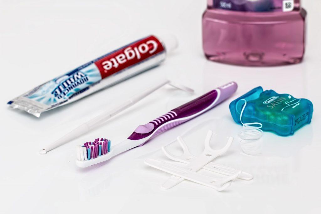 Tubetto dentifricio colgate