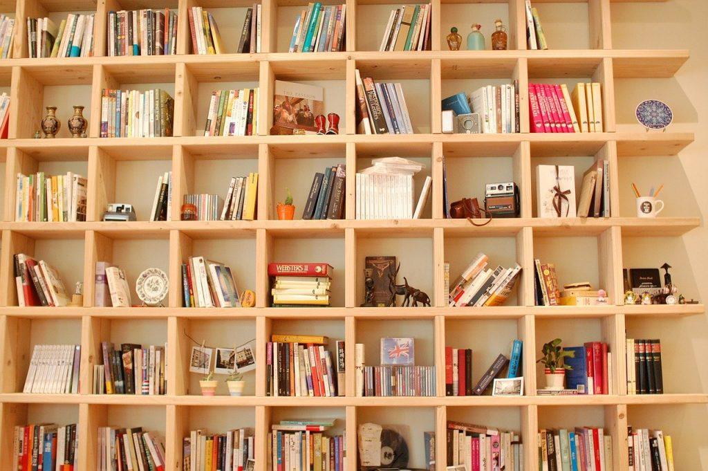 Libreria grande in legno